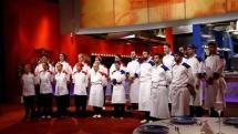 Cei trei chefi au preluat bucătăria la inaugurarea  restaurantului Hell's Kitchen – Iadul Bucătarilor